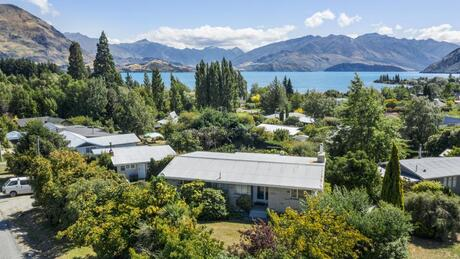 1 Eely Point Road, Wanaka