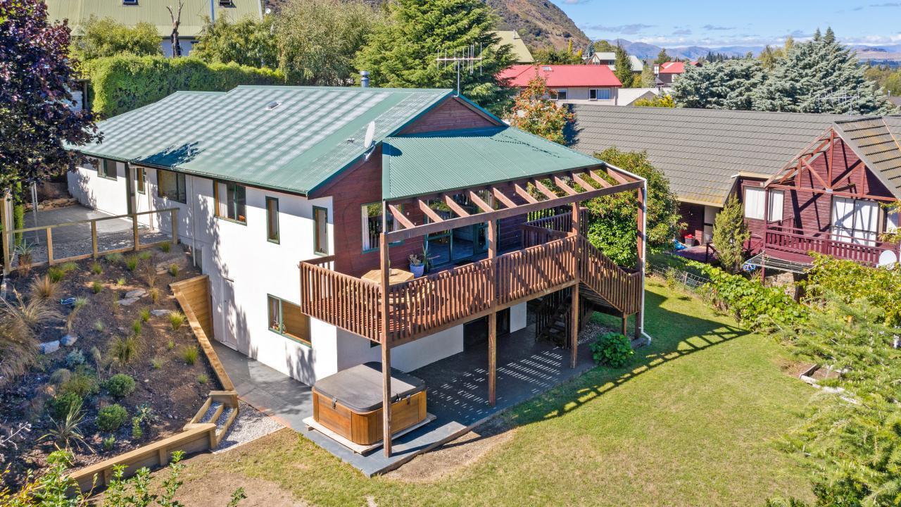 9 Mount Iron Drive, Wanaka