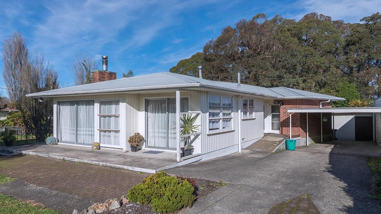 87 Kawaha Point Road, Kawaha Point, Rotorua