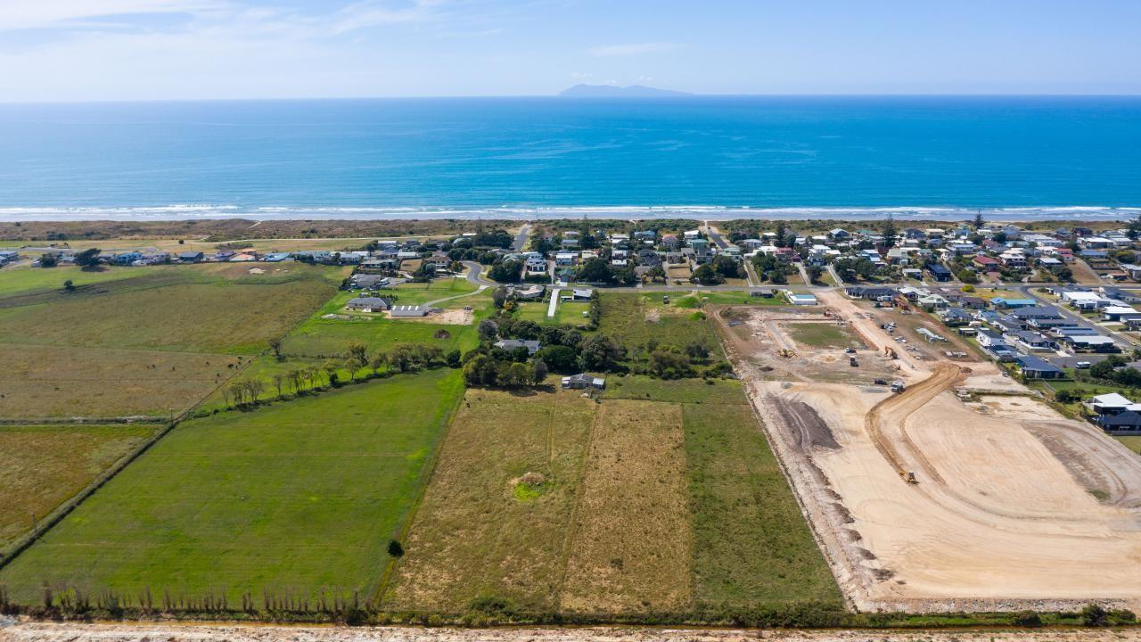 12 Hanlan Avenue, Waihi Beach