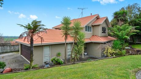 8 Greenfield Drive, Western Heights