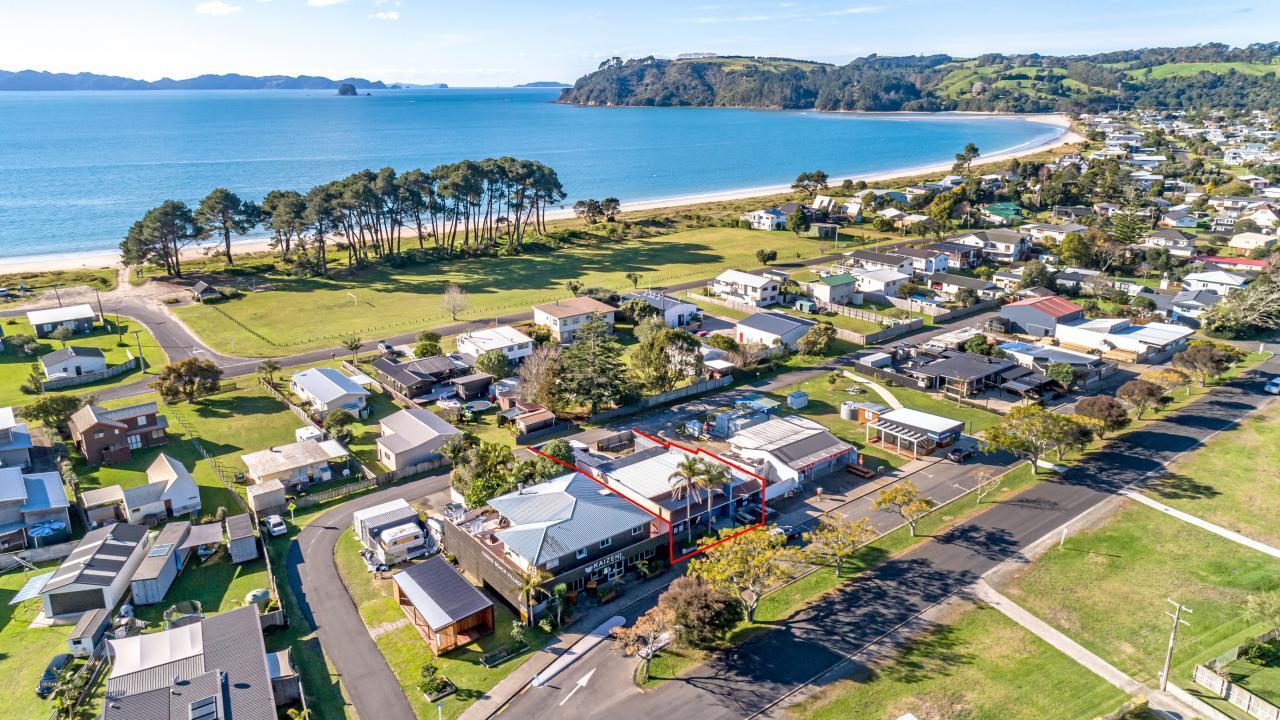 21 Captain Cook Road, Cooks Beach
