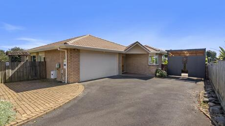 12C Lewis Road, Lynmore