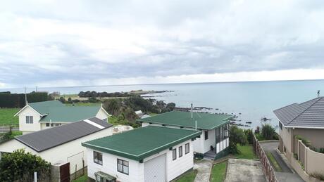 21 Otutehapari Road, Waihau Bay