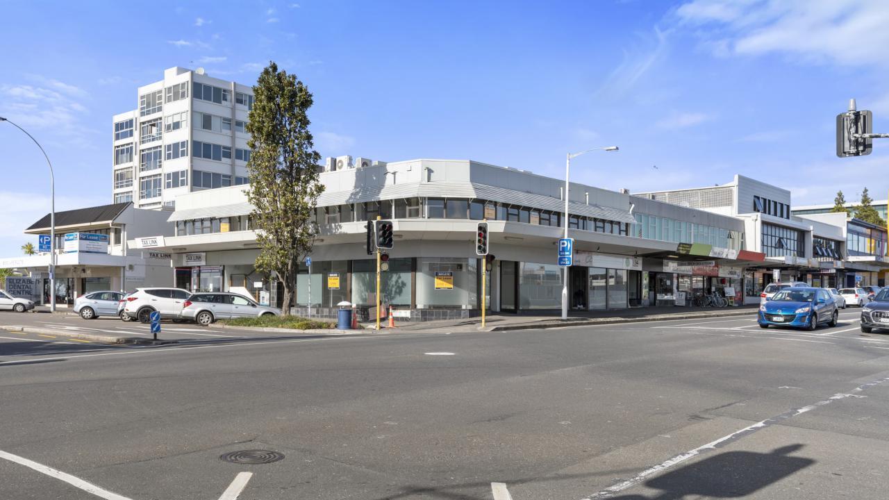 Ground floor/120 Devonport Road, Tauranga Central