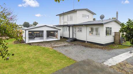 11B Lyn Grove, Papamoa Beach