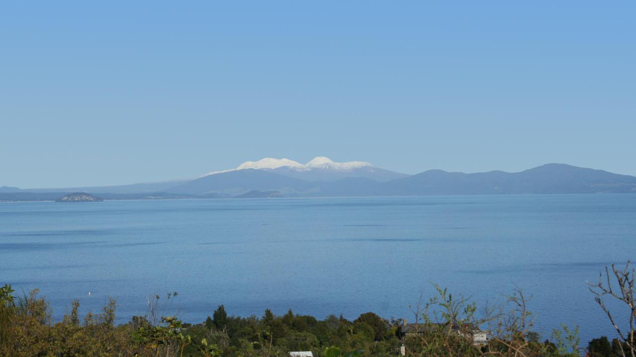 33 Whakamoenga Point, Acacia Bay