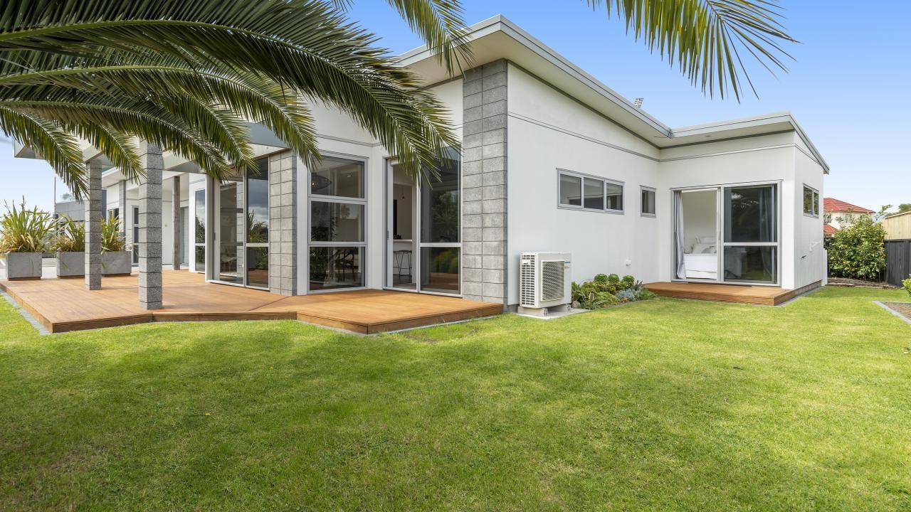 432 Papamoa Beach Road, Papamoa Beach