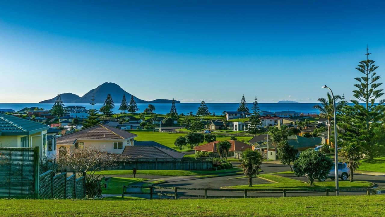 12 Island View Heights, Coastlands