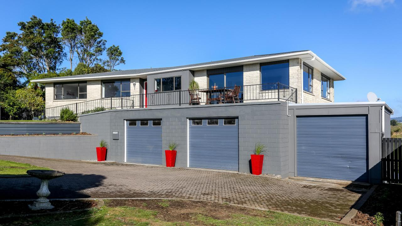 24c St Ives Grove, Whalers Gate