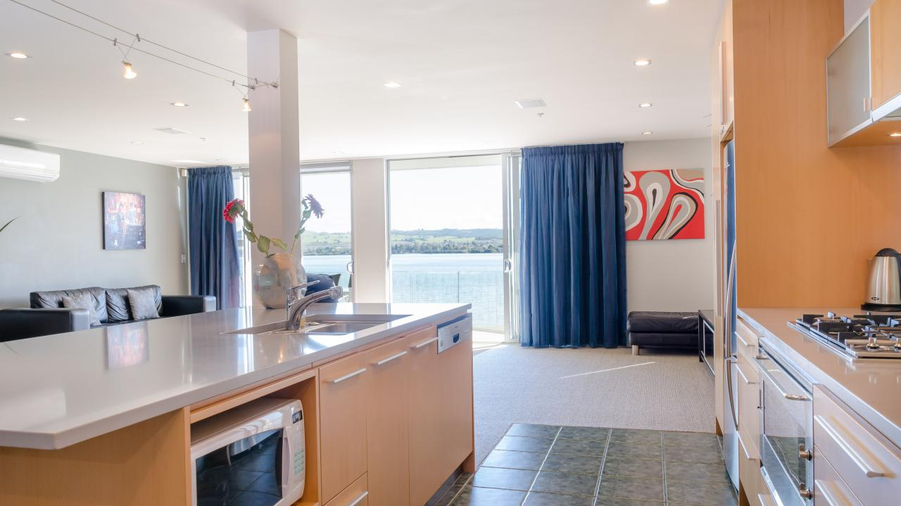 Additional photo for property listing at Simply the best Taupo, Yeni Zelanda
