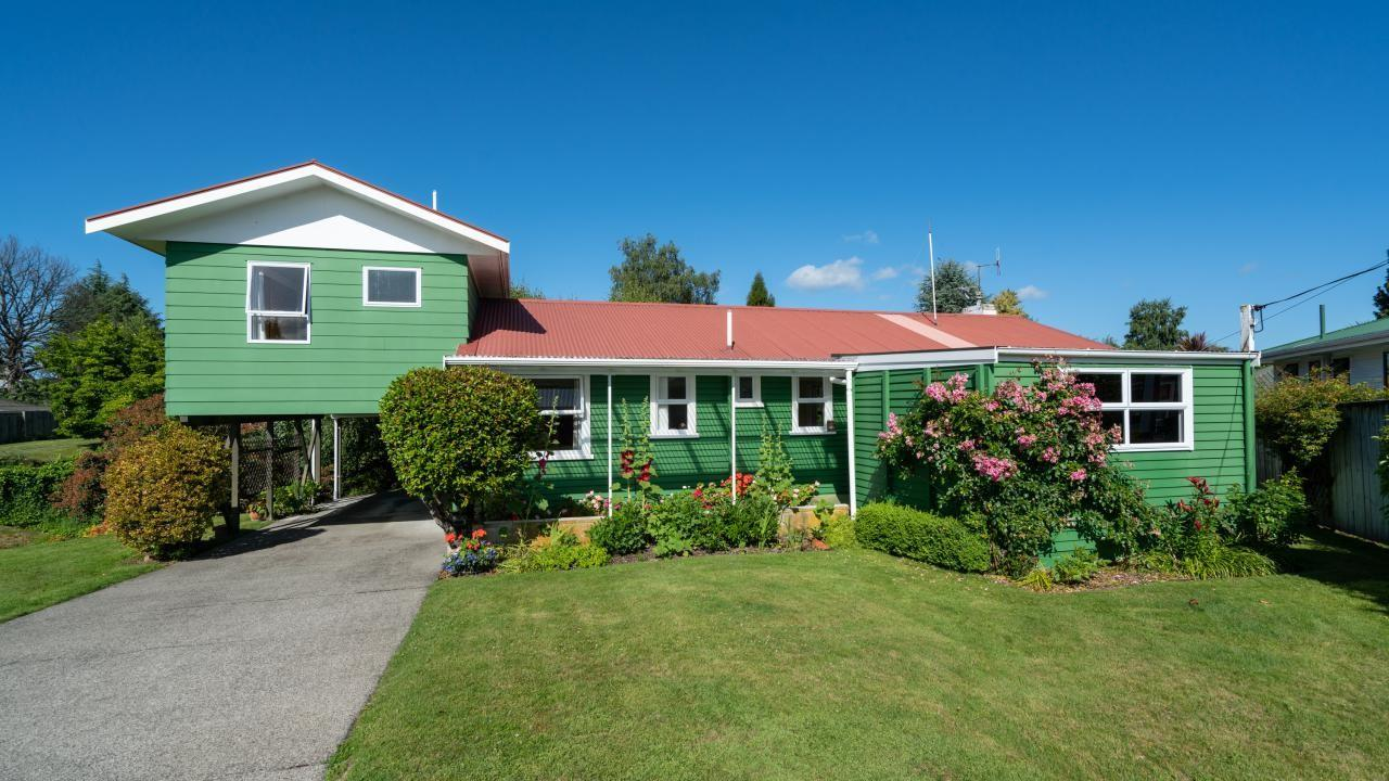 3 Gradwell Place, Two Mile Bay