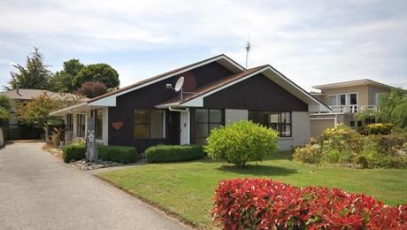 2/8 Tamatea Road, Taupo