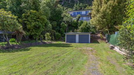 46 Gosling Grove, Tongariro River