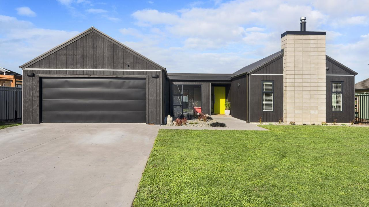 22 Fisher Place, Lytton West