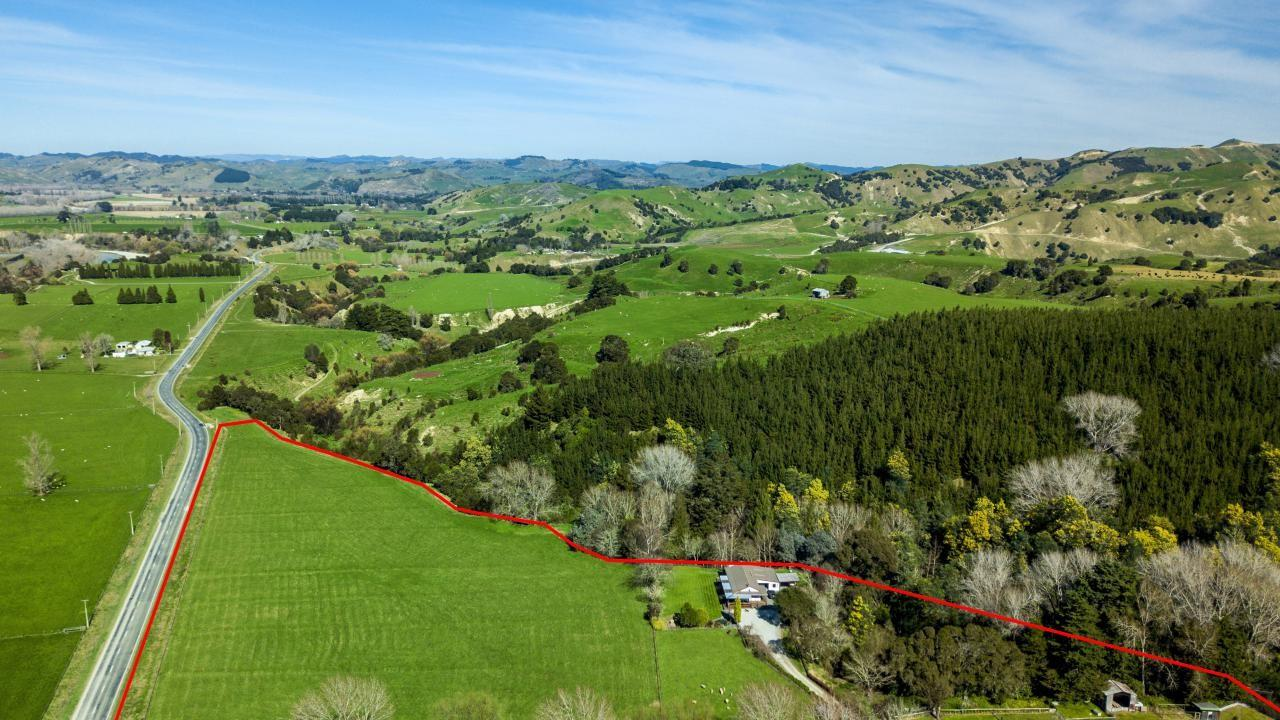 741 Whatatutu Road, Whatatutu