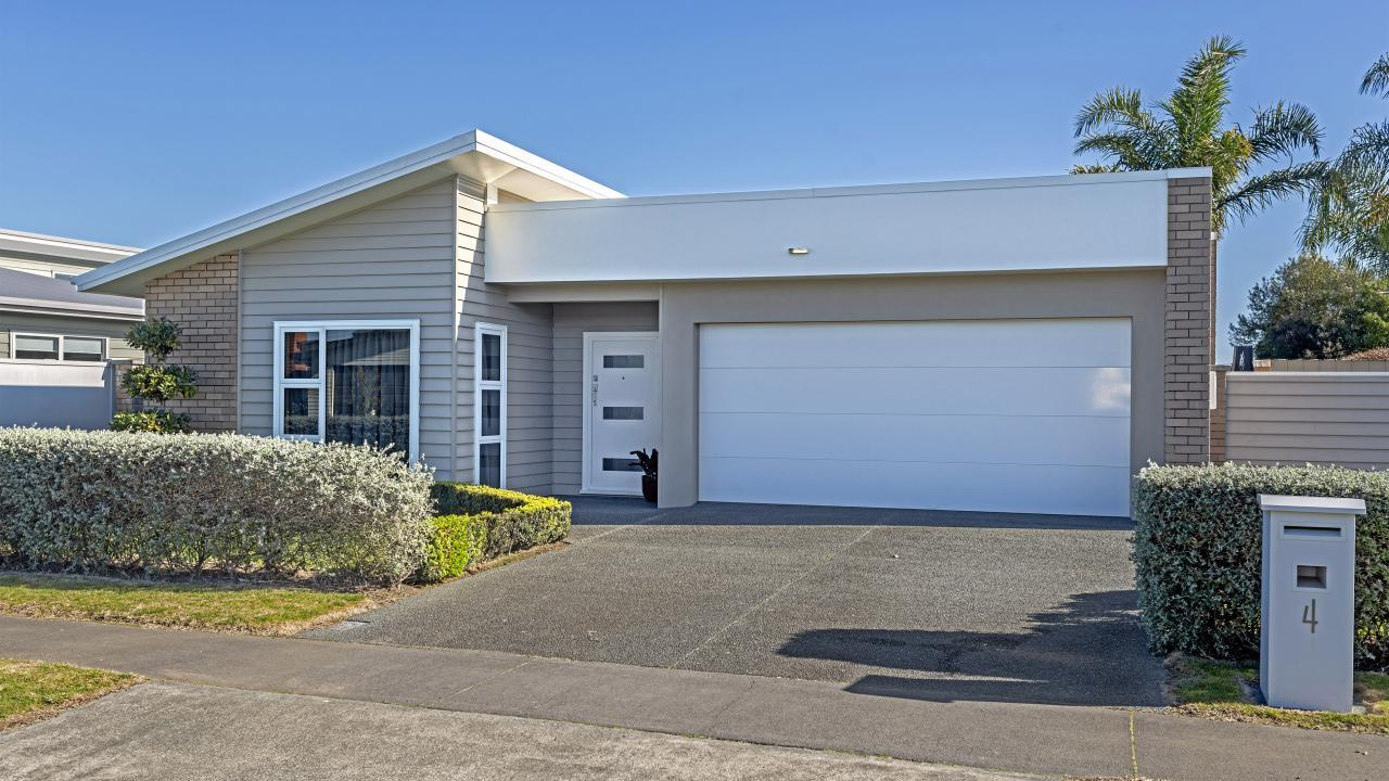 4 Fisher Place, Lytton West