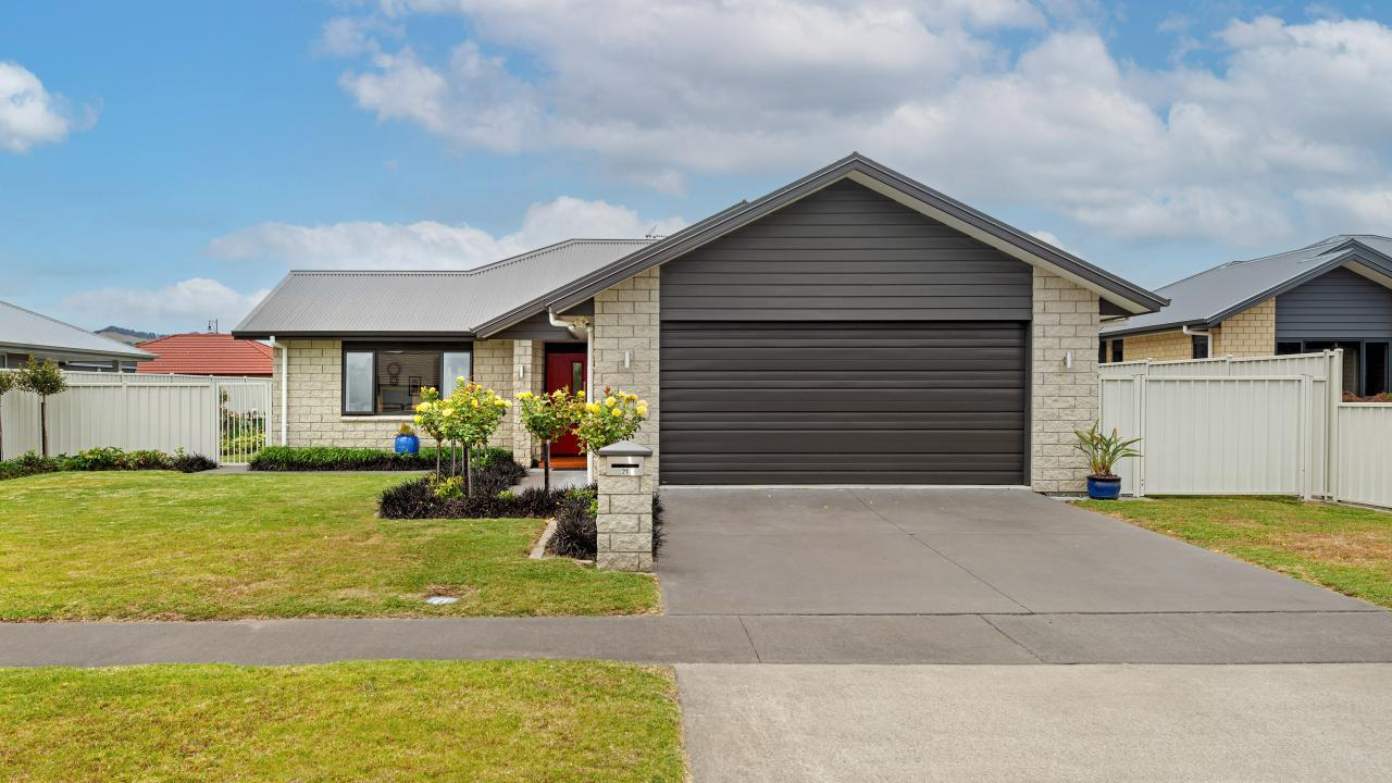 21 Fisher Place, Lytton West