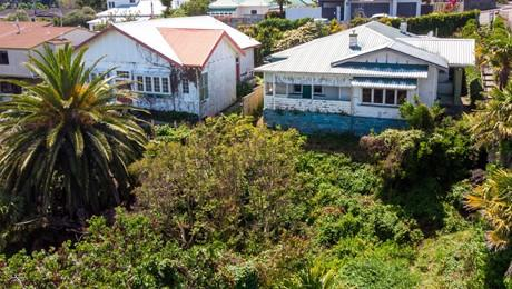 20 and 22 Roslyn Road, Bluff Hill