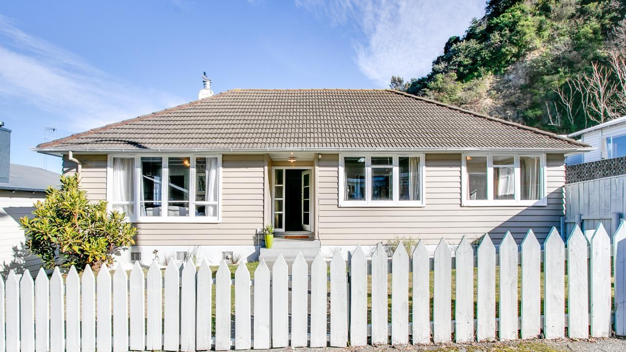 22a Chaucer Road South, Hospital Hill