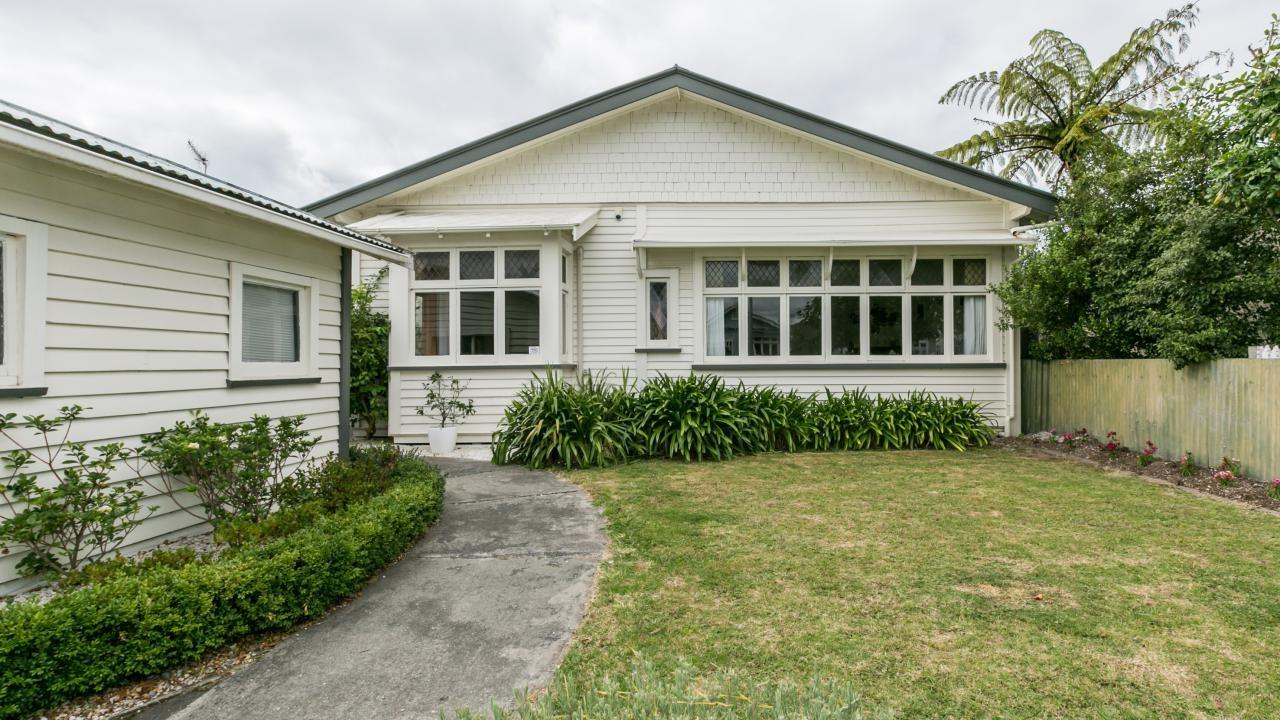 33 Nelson Crescent, Napier South