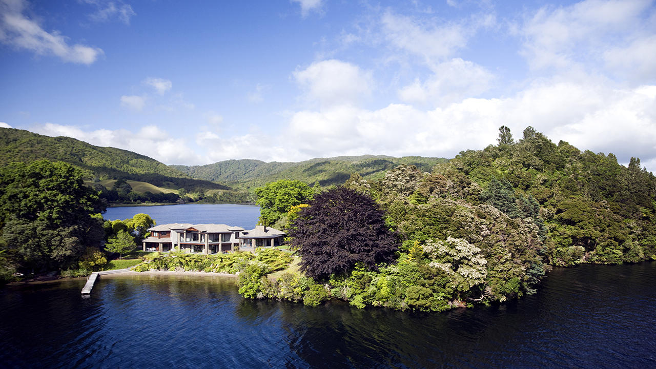 Single Family Home for Sale at Lake Okareka Lodge New Zealand