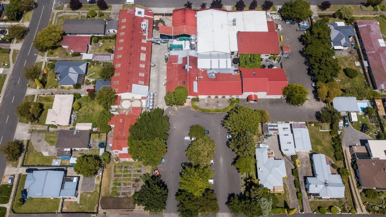 904-908 Avenue Road East, 915 St Aubyn Street East, 918 Avenue Road East, Parkvale