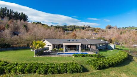 43 Tauroa Valley, Havelock North