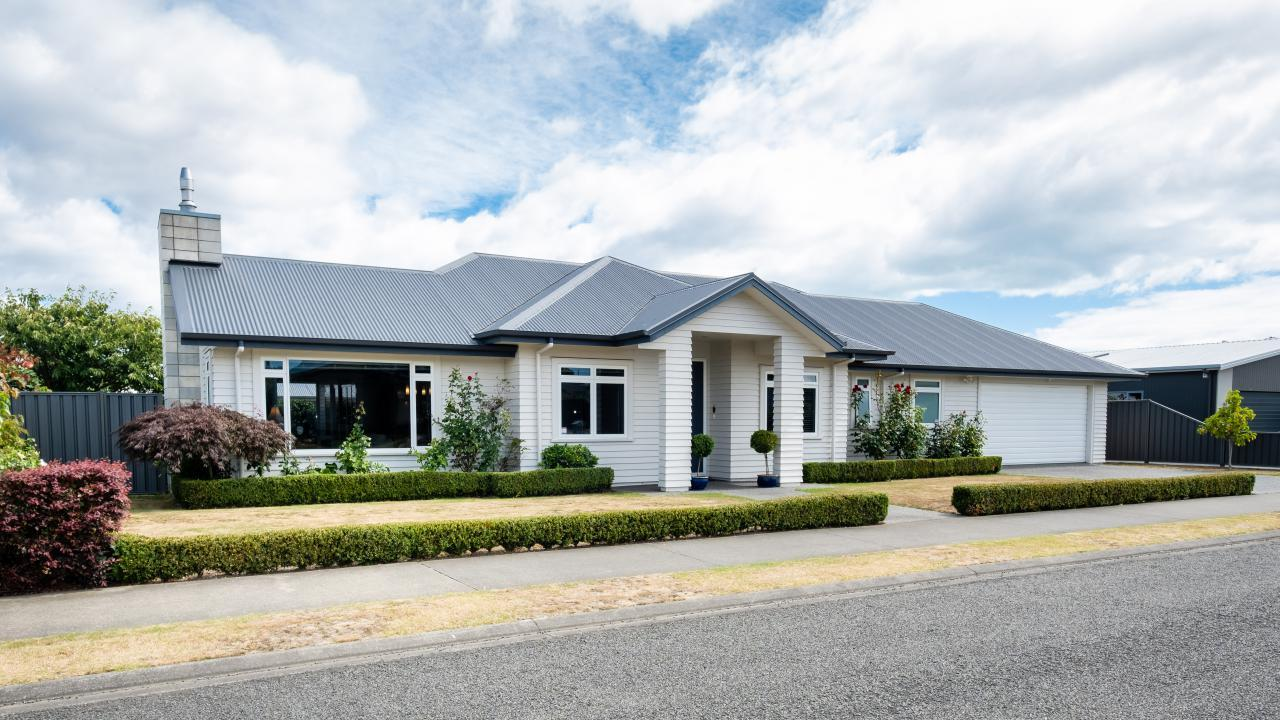 8 Te Heipora Place, Havelock North