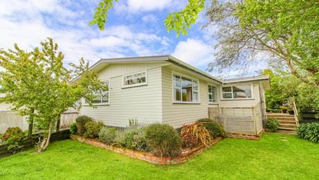 94 Lincoln Road, Springvale