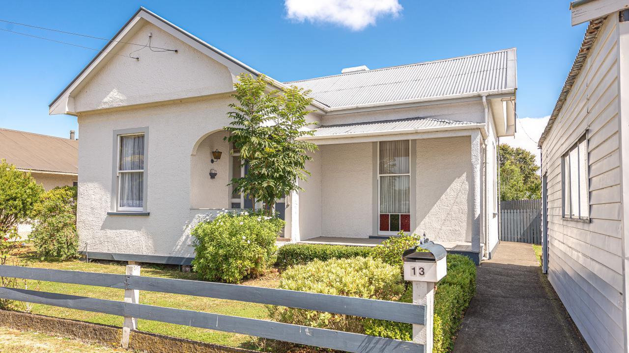 13 Burton Avenue, Whanganui East