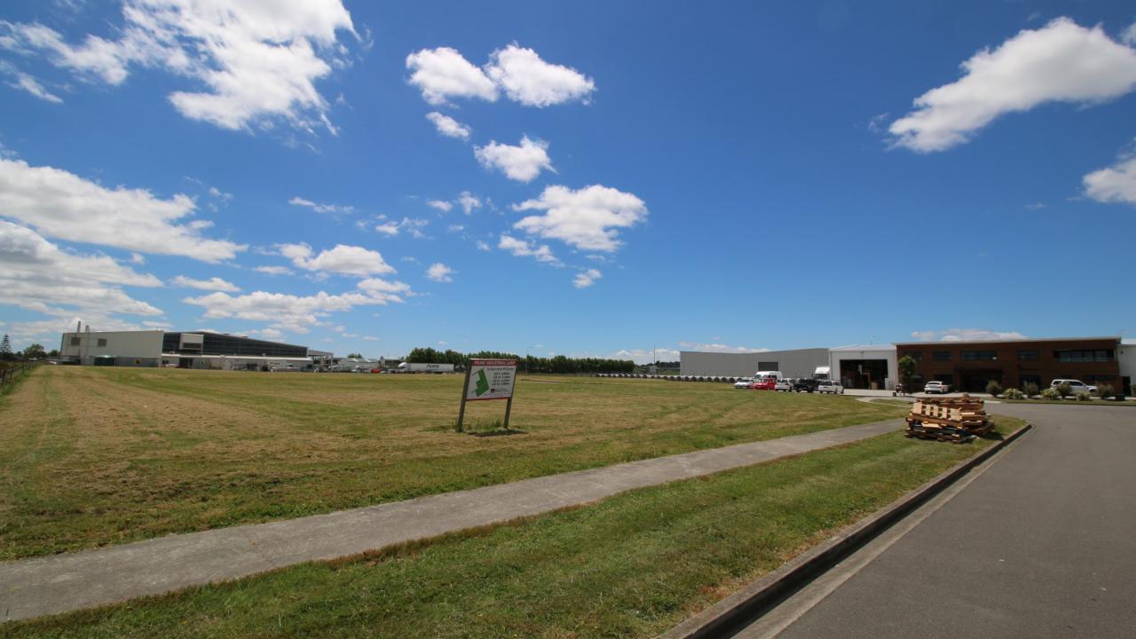 Makomako Road, Palmerston North Surrounds