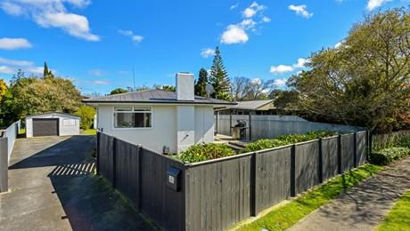 127 Ruamahanga Crescent, Terrace End