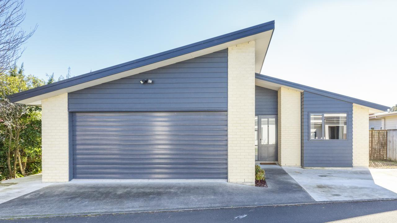 4 Northbrook Court, Roslyn