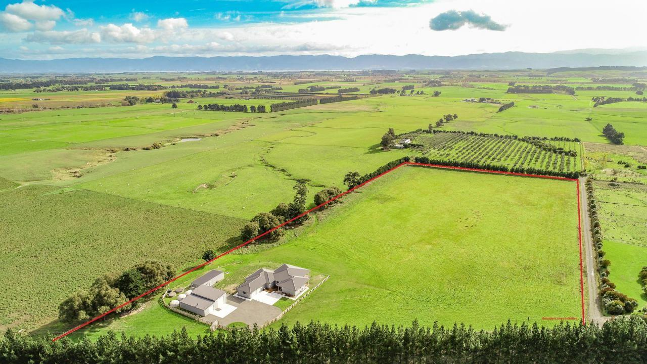 100 Fraters Road, Martinborough