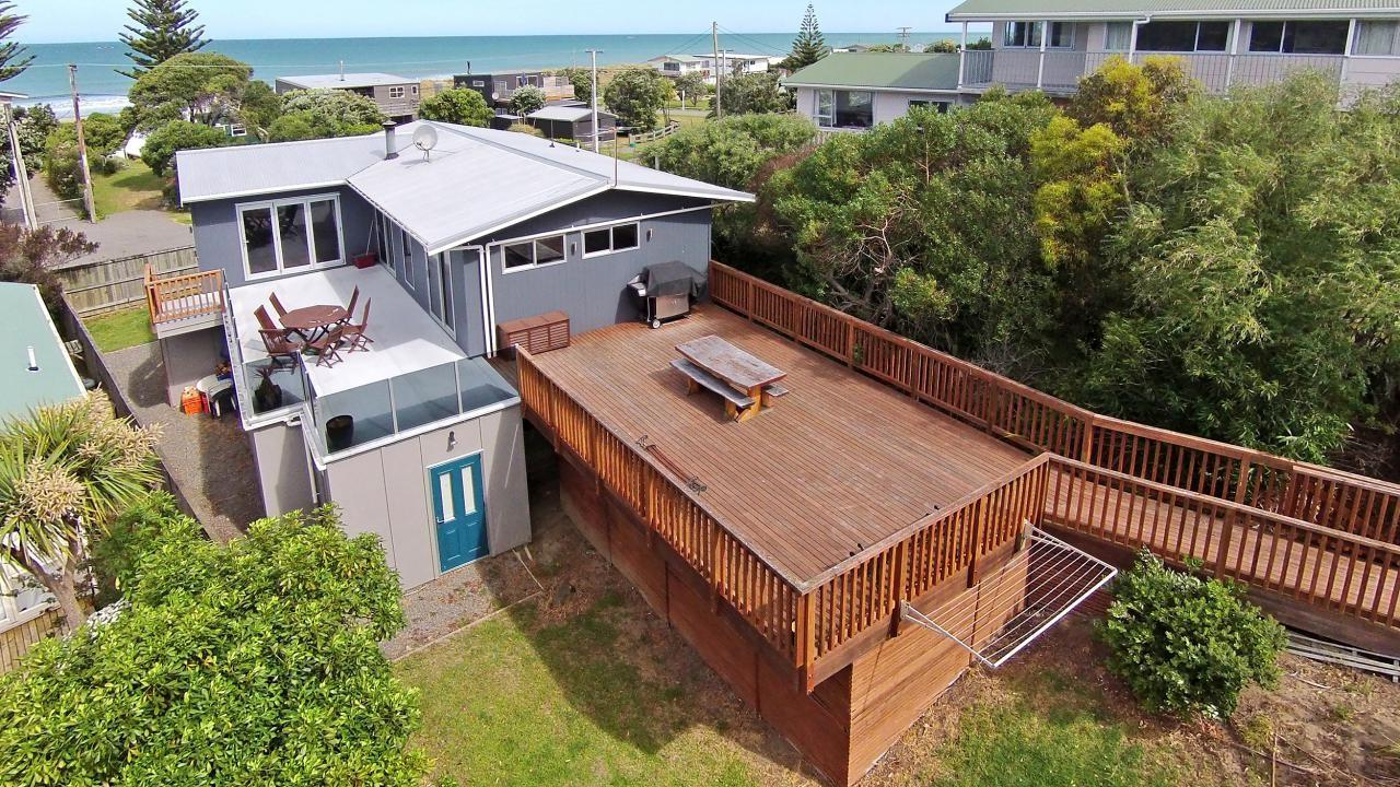 76 Blue Pacific Parade, Riversdale Beach