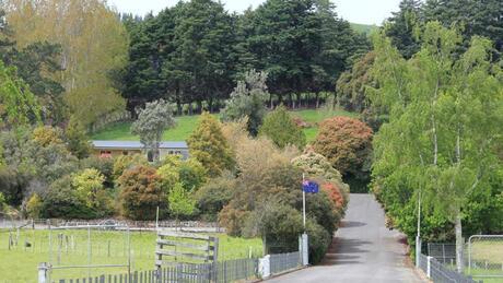 1618 Longbush Road, Longbush