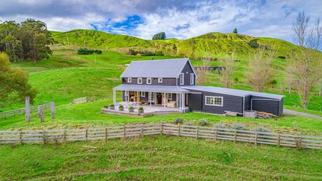 387 John's Way, Martinborough