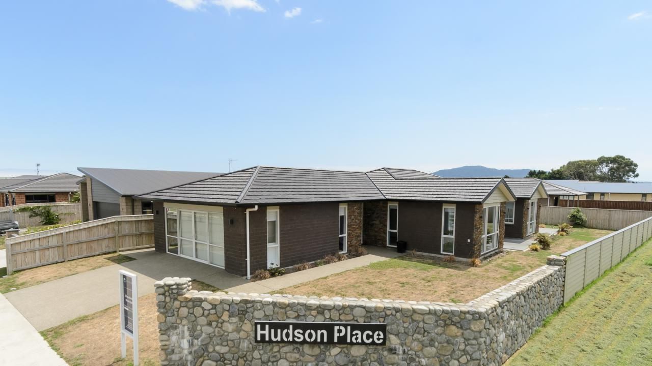 2 Hudson Place, Paraparaumu
