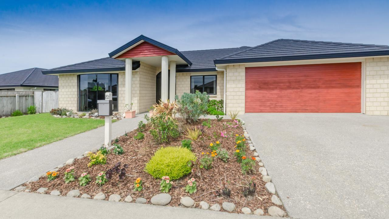 82 The Drive, Paraparaumu Beach
