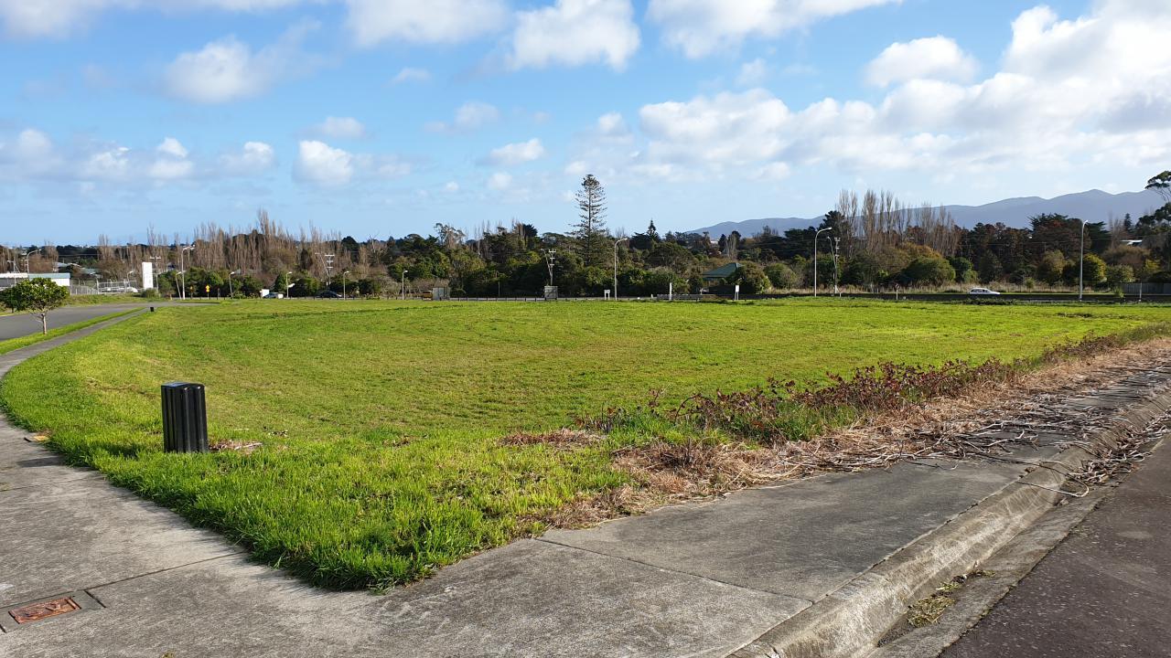 12 Te Tupe Road, Paraparaumu