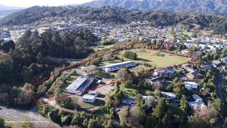 296 Main Road North, Upper Hutt