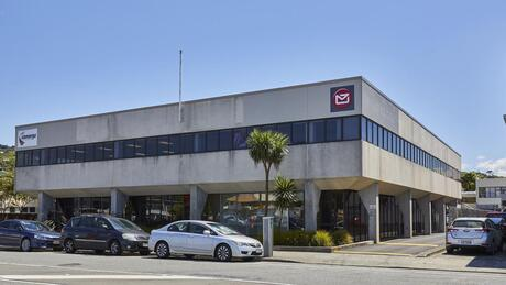 15-17 Kings Crescent, Lower Hutt