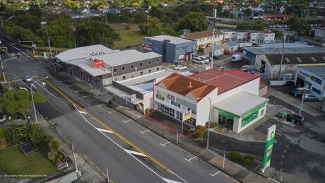 70 Whites Line East, Waiwhetu