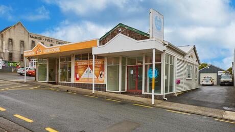 8 Burgess Road, Johnsonville