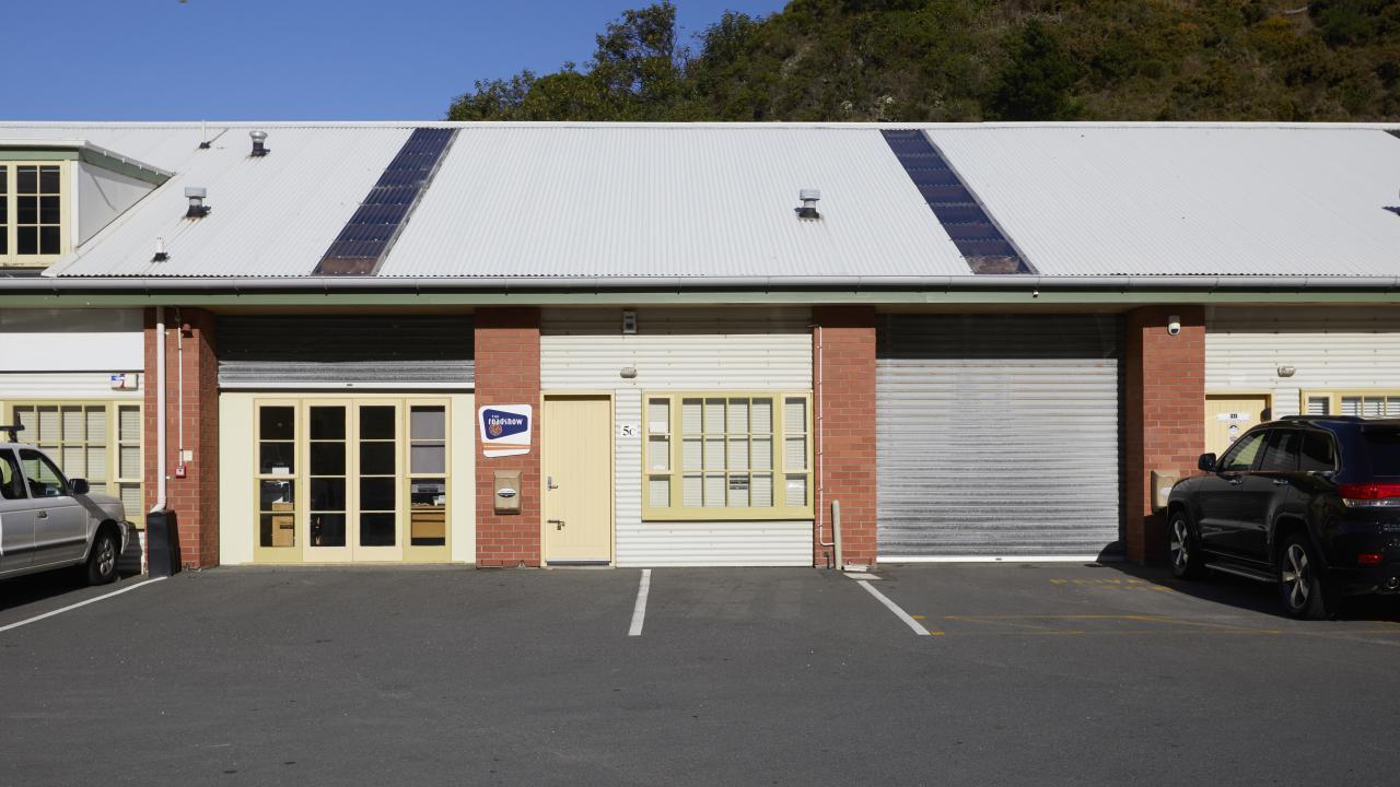 5C, 33 Kaiwharawhara Road, Wellington Central