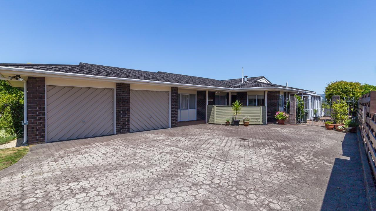 17 Roband Crescent, Brown Owl