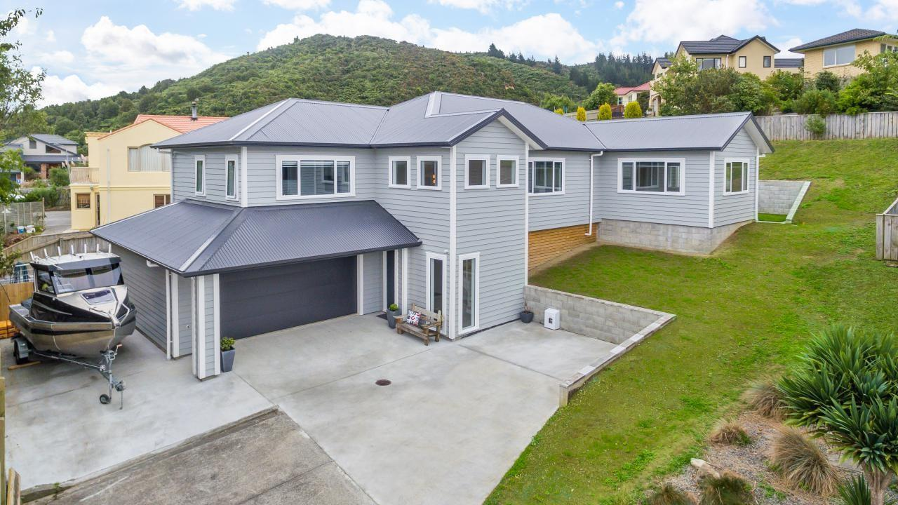 24 Birkinshaw Grove, Riverstone Terraces