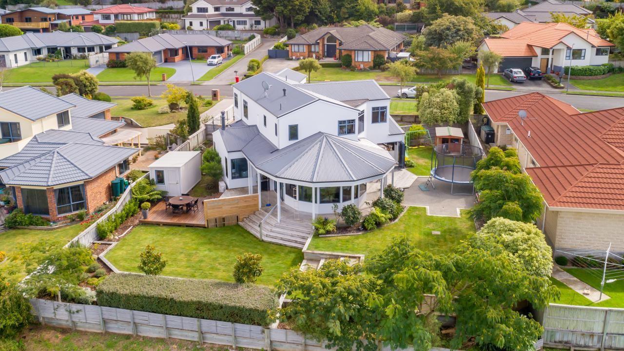 3 Birkinshaw Grove, Riverstone Terraces