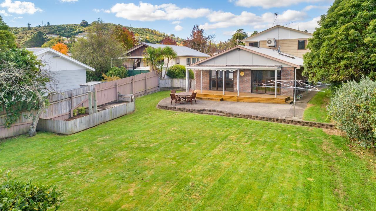 25 Roband Crescent, Brown Owl